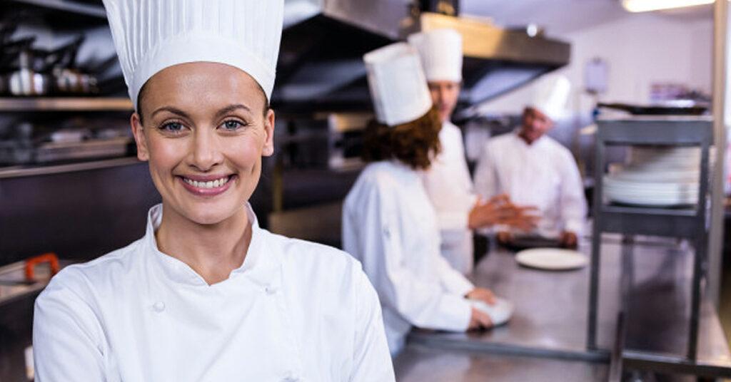 Importancia de evaluar y prevenir riesgos laborales en restaurantes