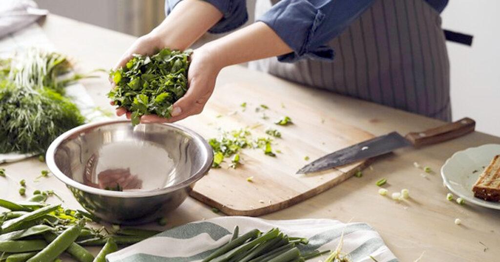 Manipulación de alimentos y riesgos en restaurantes