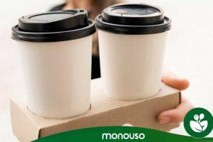Kartonowe uchwyty na kubki: najlepszy sprzymierzeniec dla kawiarni
