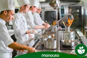 Czyszczenie kuchni: jak utrzymać higienę w Twojej profesjonalnej kuchni
