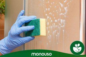Jak czyścić sztuczki z parawanem prysznicowym, aby był jak nowy