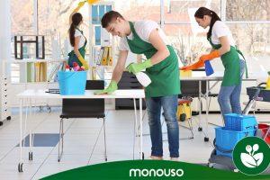 Środki czyszczące do zapewnienia higieny w biurze